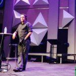 KUSF, Pastor Privett Mengundurkan Diri